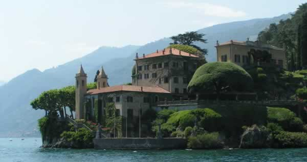 Hotels Lake Como, Italy. Travel guide of Bed and Breakfast Accommodations and Hotels in Lake Como, Italy.