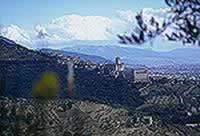 Hotel Assisi - Italy holiday guide of hotel bed and breakfast residence farmhouse to stay in Assisi.