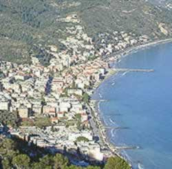 Laigueglia hotels holidays on line sea beach hotels bed breakfast residence villas self-catering accommodation.