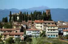 Residence Cerreto Guidi Italy. Hotel Residence Bed and Breakfast Farmhouse booking guide to stay in Cerreto Guidi.