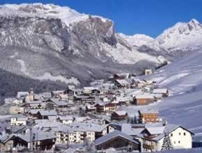 Hotels San Cassiano, Italy - Guide of Accommodations & hotels in San Cassiano, Italy (Dolomites)